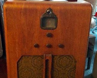 * Antique Radio