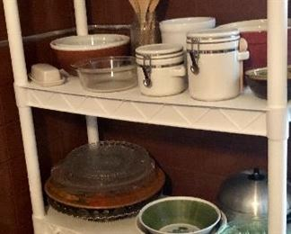 * Lots of Kitchenware - Pots, Pans, Cast Iron, Dishes, Appliances, Tupperware and more!