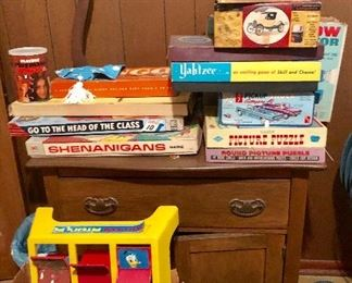 * Retro Vintage Games and Great Antique Wash Sink