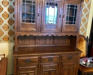 * You know you need this China Cabinet / Hutch