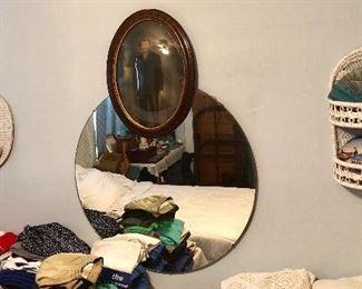 * Round Mirror, Decor