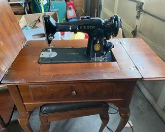 1947 Singer sewing machine 201-2 and matching bench