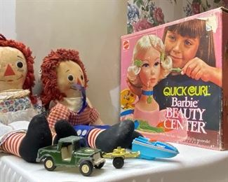 Vintage quit Curl Barbie and Raggedy Ann and Andy collectibles An