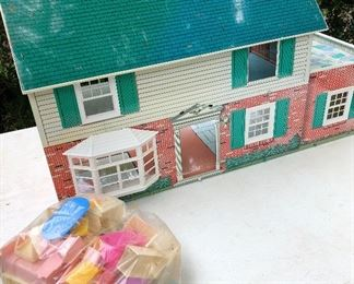 Vintage large tin metal doll house with furniture