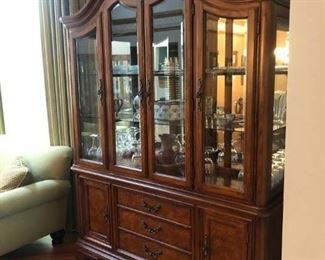 https://caitsonline.com/collections/orland-park-may-22nd-sale/products/oes-inlaid-dining-room-table-chairs-and-china-hutch