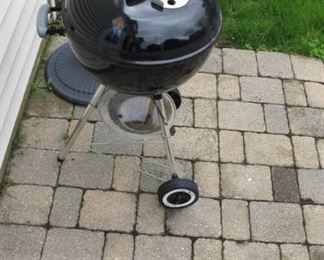 $50.00 Kettle grille