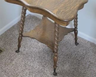 $325.00 Antique quarter-sawn oak parlor table with Metal ball/claw feet 24 x 28 x 28