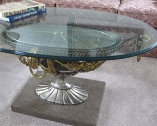 $200.00 Heavy Glass Top coffee table 41.5 x 21 x 27.5
