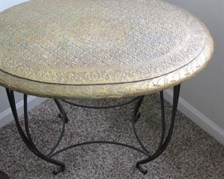 $45.00 Metal accent/end table