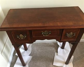 $95.00 Hekman Hall table 29 x 30 x 13