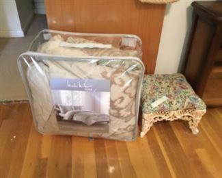 Bedding set & stool