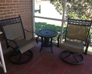 Comfy Outdoor Chairs with Table