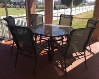Octagon Table with 6 Chairs...like new