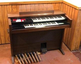 Thomas Electric Organ $75