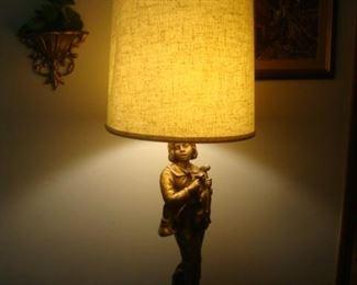 Statue lamp