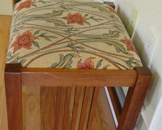 Stickley Bench $75  PENDING PICK UP