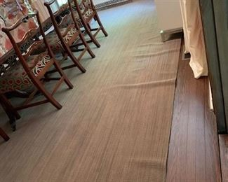 area rug  $ 200.00 - dining room 10 x 14 ft machine made