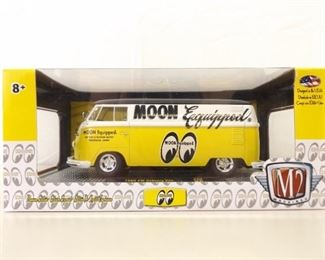 1:24 M2 Moon Equipped 1960 VW Delivery Van