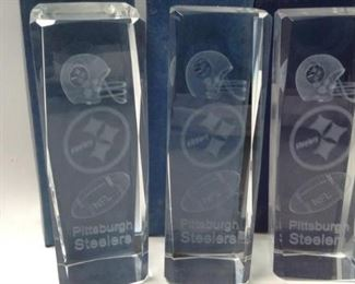 https://connect.invaluable.com/randr/auction-lot/3-pittsburgh-steelers-paper-weights_BF14E7794D