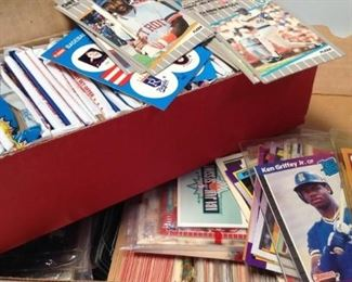 https://connect.invaluable.com/randr/auction-lot/2-boxes-baseball-football-cards_E7D4349974