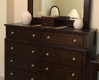 Dresser w Mirror