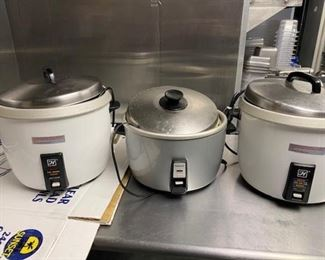 3 rice cookers
