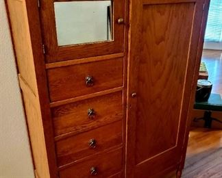 Hatbox Dresser