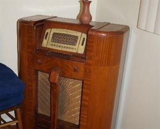 GE vintage radio