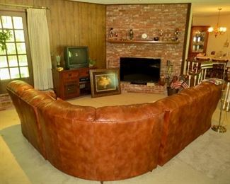 Leather sectional in excellent condition
