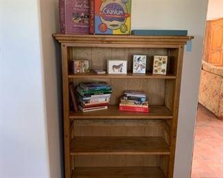Casita bookcase