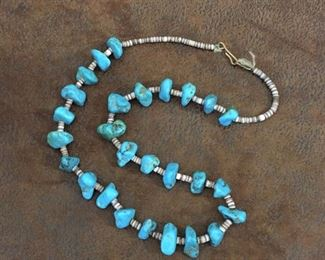 """Vintage 18"""" Santo Domingo Native American turquoise nugget and pen shell heishi necklace with hook and eye clasp. $198"""