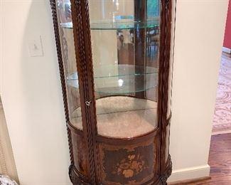 Curio cabinet in excellent condition $950