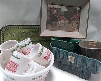 https://connect.invaluable.com/randr/auction-lot/vintage-tom-jerry-punch-bowl-set-milk-glass_16E4C16BB9