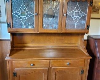 Ethan Allen Wooden Buffet . with Stain Glass Doors. CONTENTS NOT INCLUDED