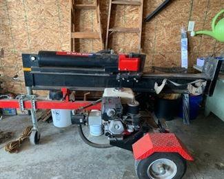 Troy-Bilt 33 ton Log Splitter