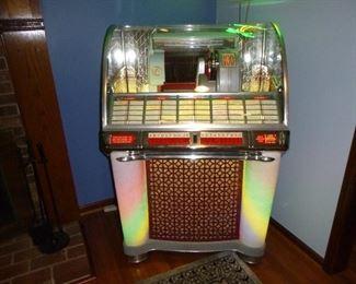Seeburg  Select-O-matic 100 fully restored Jukebox 45RPM