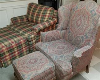 Armed chairs with ottomans