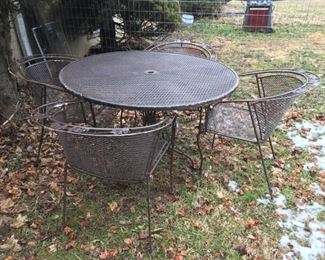 5 Piece Woodard Patio Set, Woodard (I have 3 of these sets, one in White, one in Green and this set in Brown) $325.00 per set