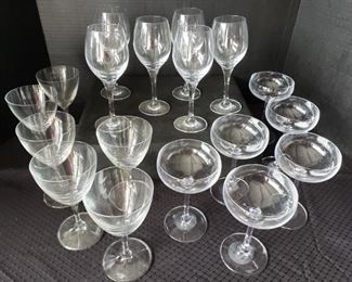 https://ctbids.com/#!/description/share/422393 18 Count Wine and Champagne Glasses.