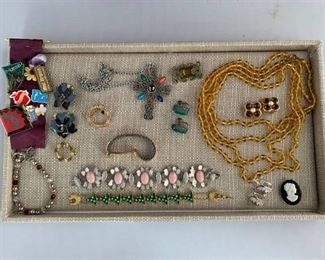 Mixed Lot of Vintage Costume Jewelry