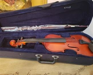 Lot 43   Nice  3/4 Size Violin with Case   $50