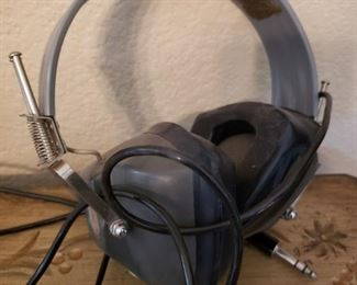 Lot 48    Vintage Aircraft Headphones   $20