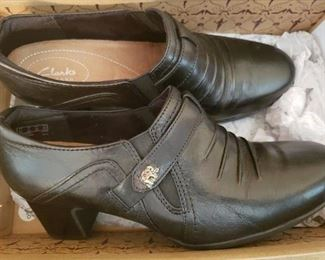 Lot 82    New in box Clark's Women's Shoes  Size 9   $30