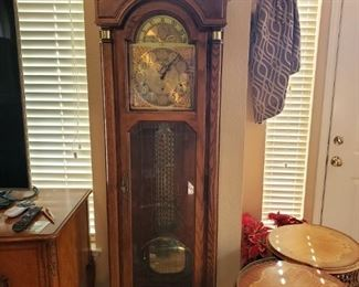 Lot 92    Fantastic Top of Line  Howard Miller Clock  7.5 ft high  Runs and chimes perfectly. Has silent mode. $600