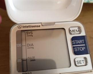 Lot 112    Omron Intellisense Wrist Monitor  $20