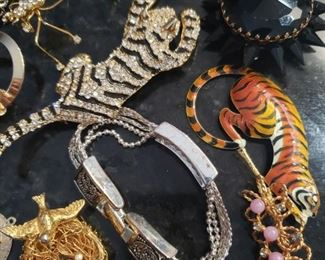 $75  Costume Jewelry lot. Some designer. Following 6 pictures shows all.