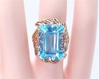 Impressive ~19.5 Carat Swiss Blue Topaz Estate Ring in a Beautiful 14k Yellow Gold Setting