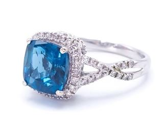 Breathtaking Sapphire and Diamond Estate Ring in White Gold