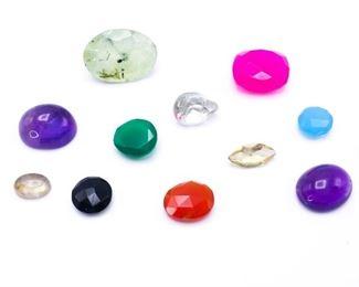 35+ Carats Loose Gemstones; Emerald, Labradorite, Amethyst, etc.