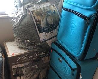 luggage, bedding sets